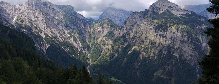 Österreichische Alpen is one of Zillertal Arena.