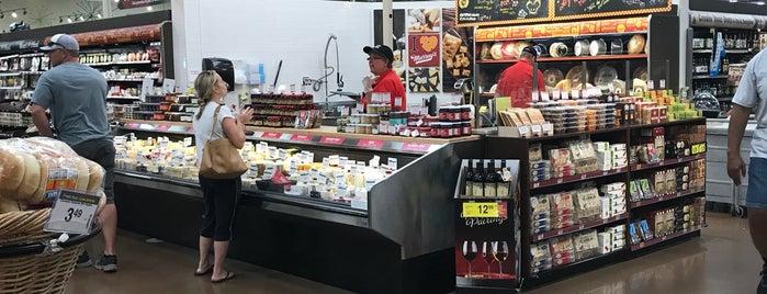 Fry's Marketplace is one of Tempat yang Disukai Deanna.
