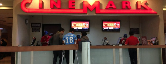Cinemark is one of Tempat yang Disukai Lou.