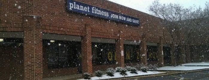 Planet Fitness is one of สถานที่ที่ Tony ถูกใจ.