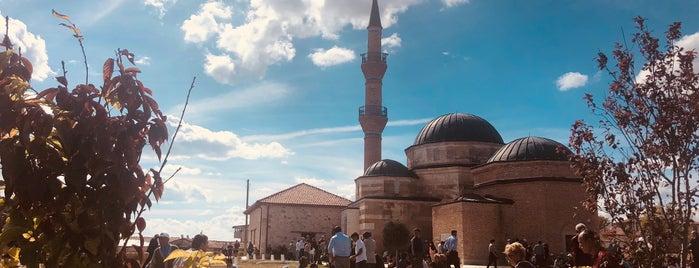 Şeyh Sücaeddin-i Veli Külliyesi ve Türbesi is one of Eskişehir İlçeleri Gezilececek\Yenilecek Yerler.