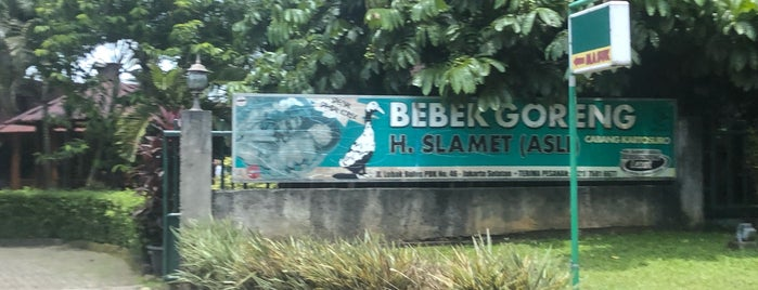Bebek Goreng H. Slamet is one of Lieux qui ont plu à Ririn.