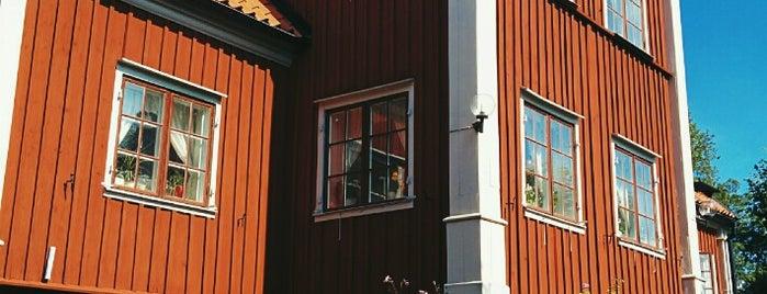Farsta gård is one of Posti che sono piaciuti a Maria.