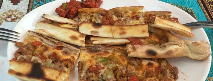 Çınarlar Pide & Pizza is one of Orte, die Celal gefallen.