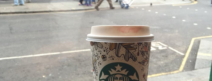 Starbucks is one of สถานที่ที่ Celal ถูกใจ.
