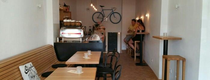 veloCAFÉ is one of Kde si pochutnáte na kávě doubleshot?.