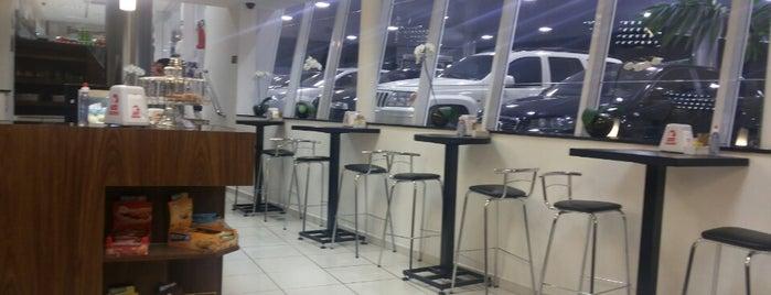 Auto Posto Maria Monteiro is one of Tempat yang Disukai Jacqueline.