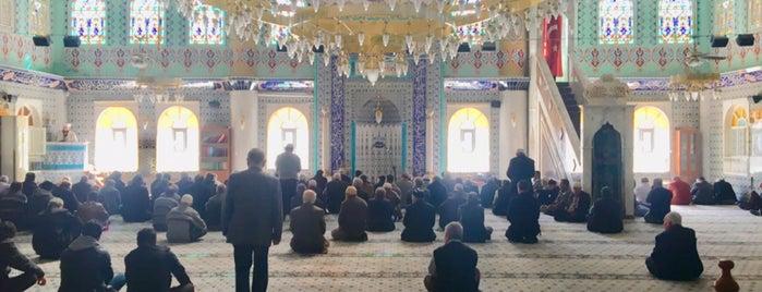 Yıkıkkemer Ulu Camii is one of İlker'in Beğendiği Mekanlar.