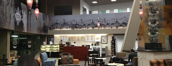 Black Coffee Gallery by Amador Montes is one of Gespeicherte Orte von Keila.