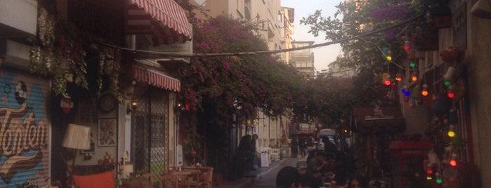 Urban Blue Cafe is one of Gidilecek Yerler.