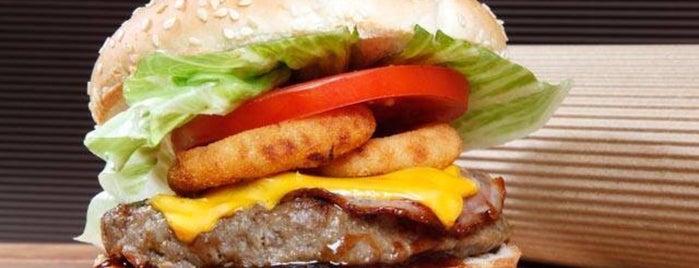 Home Burger is one of Lieux qui ont plu à Spiridoula.