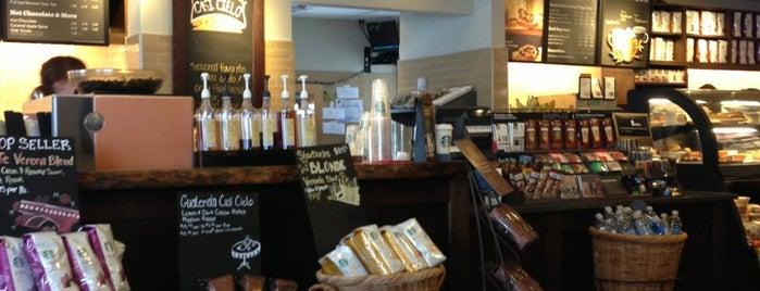 Starbucks is one of Gespeicherte Orte von James.