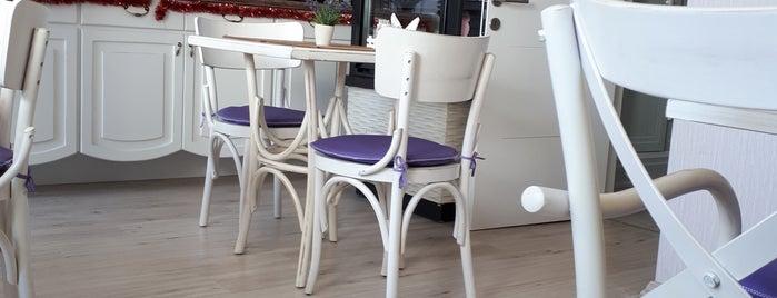 Lavender Pasta Cafe is one of Orte, die Özlem gefallen.