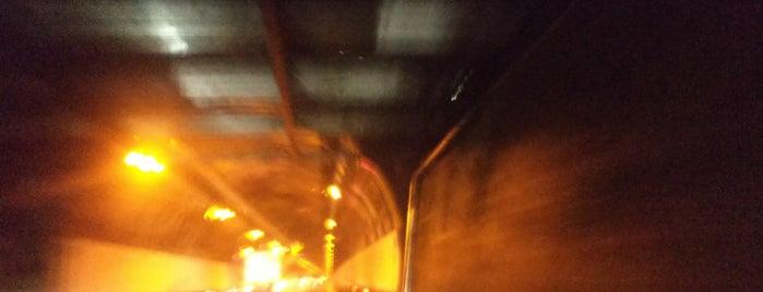 関トンネル is one of Posti che sono piaciuti a 高井.
