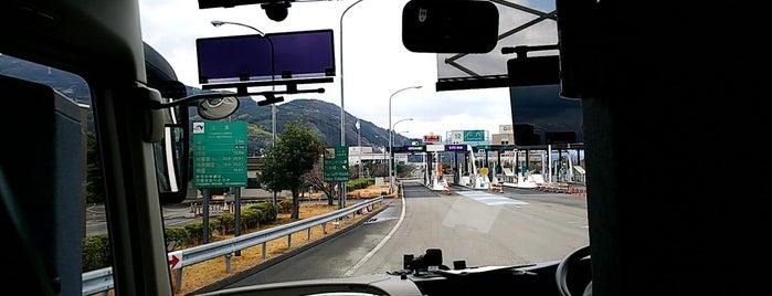 川内IC is one of 松山自動車道.