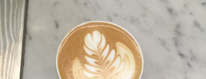 Blue Bottle Coffee is one of Ryanさんのお気に入りスポット.