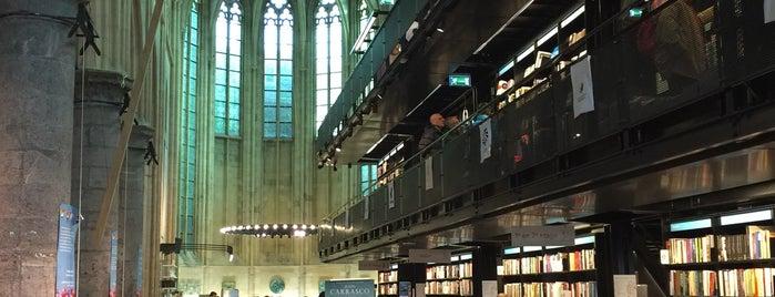 Boekhandel Dominicanen is one of Orte, die Ryan gefallen.