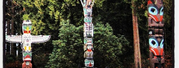 Totem Poles in Stanley Park is one of Vancouver.