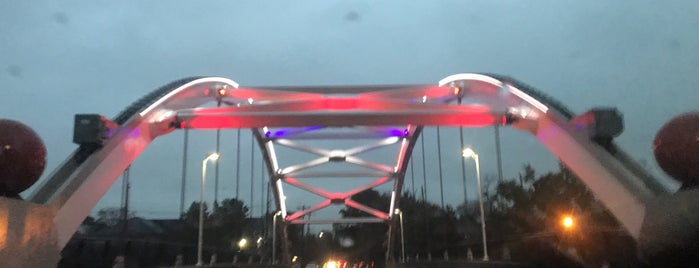 Mandell Bridge is one of Aptravelerさんのお気に入りスポット.