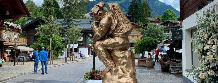 Maddox Gallery Gstaad is one of Verbier- Gstaad- Courchevel- Genève.