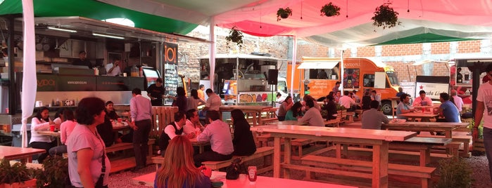 Street Food Center is one of Leon'un Kaydettiği Mekanlar.