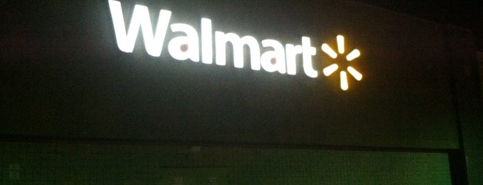 Walmart Supercenter is one of Lindsayeさんのお気に入りスポット.