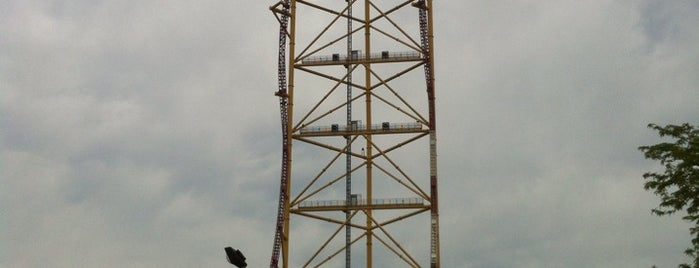Top Thrill Dragster is one of Love A Challenge?.