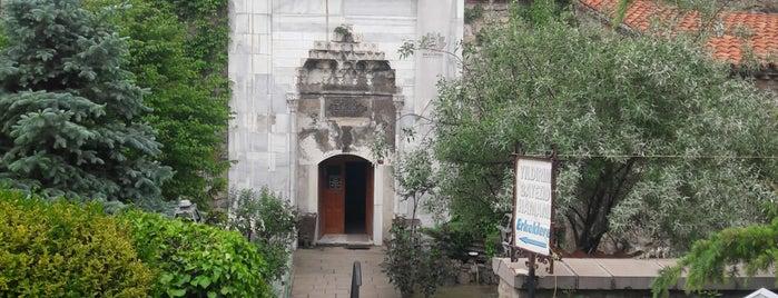 Tarihi Yıldırım Beyazıt Hamamı is one of Locais curtidos por Canan.