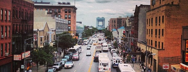 Park Avenue & East 125th Street is one of สถานที่ที่ K ถูกใจ.