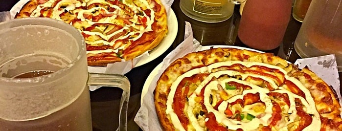 Edbert Pizza | پیتزا ادبرت is one of Tempat yang Disimpan Travelsbymary.