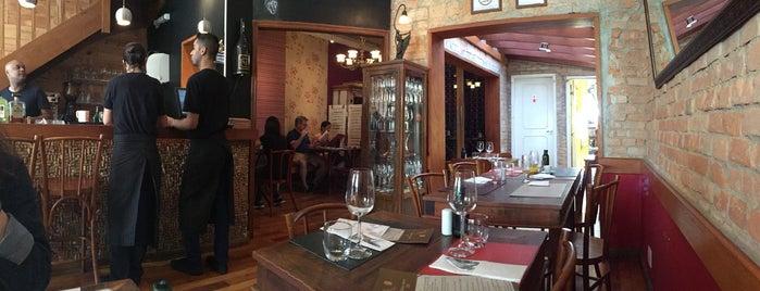 Zino Adega Restaurante is one of สถานที่ที่บันทึกไว้ของ Cristina.