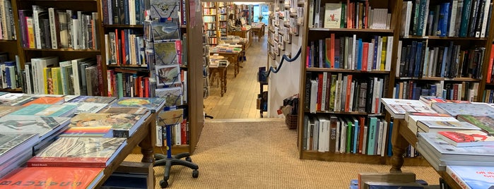 Topping & Company Booksellers is one of Christineさんの保存済みスポット.