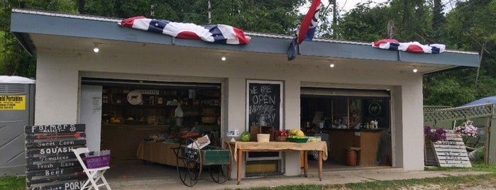 Ox Hollow Farm Stand is one of Litchfield, CT.