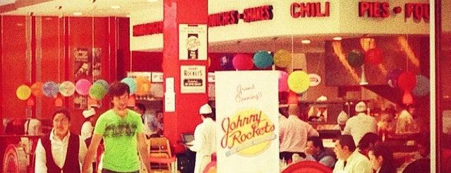 Johnny Rockets is one of สถานที่ที่ Luis ถูกใจ.