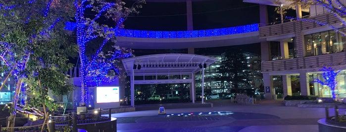 ららぽーと横浜 SOUTH COURT カリヨン広場 is one of 一時:編集タスク.