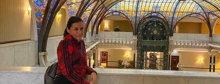 Restaurante Terraza del Gran Hotel de la Ciudad de México is one of สถานที่ที่ Penelope ถูกใจ.