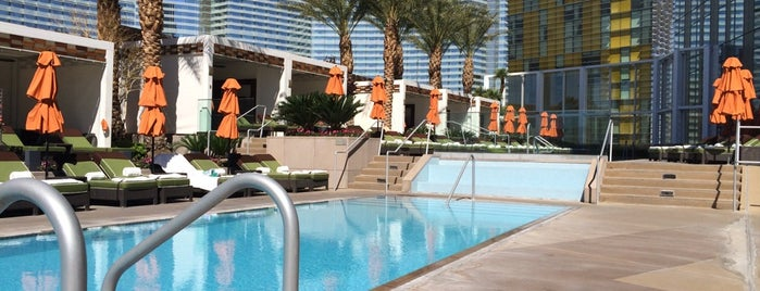 Mandarin Oriental LV Pool is one of Out of town.