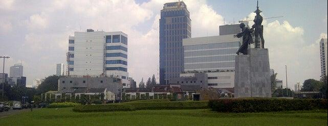 Patung Pahlawan (Tugu Tani) is one of Onnie 님이 좋아한 장소.