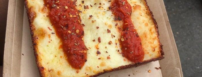 The Corners Pizza is one of Lieux qui ont plu à Rachel.