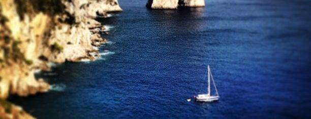 Isola di Capri is one of Antes de Morrer.