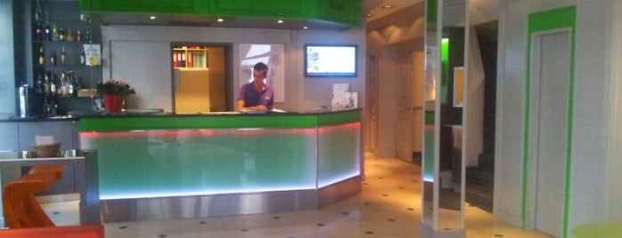Ibis Styles Paris XV Lecourbe is one of Arzuさんのお気に入りスポット.