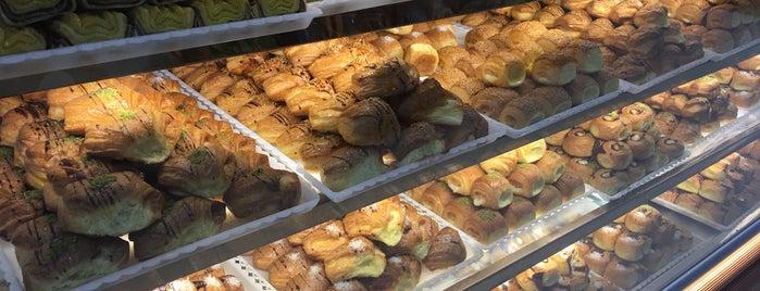 Tabatabai Confectionery | قنادی طباطبایی is one of مشهد.