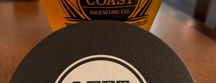 Left Coast Brewery is one of Lieux sauvegardés par Brent.