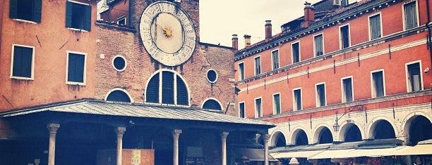 Mercato di Rialto is one of Venezia.