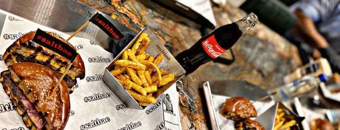 Saltbae Burger is one of Lugares favoritos de ESRA👑.