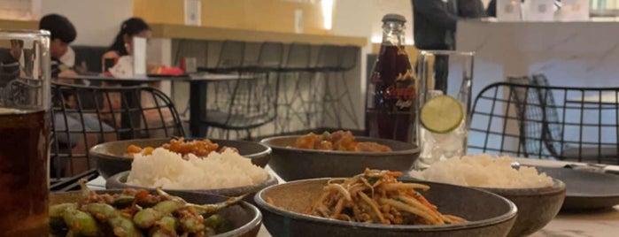 Momo is one of Riyadh - Sushi.