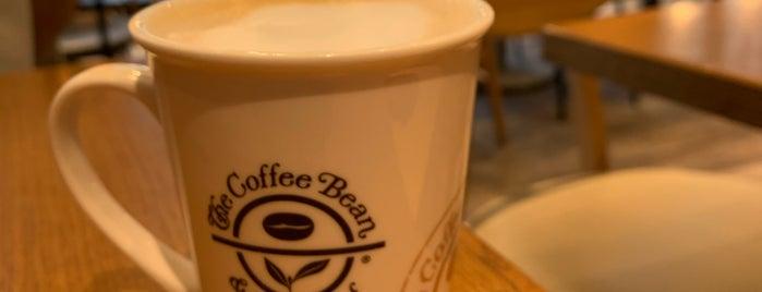 The Coffee Bean & Tea Leaf is one of Tokyo 🇯🇵.