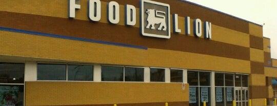 Food Lion Grocery Store is one of สถานที่ที่ Dawn ถูกใจ.