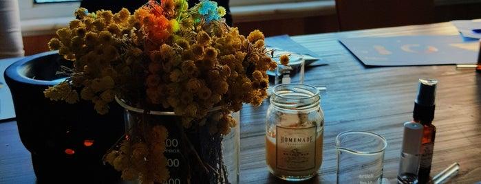 Homemade Aromaterapi is one of Gespeicherte Orte von Ceren.