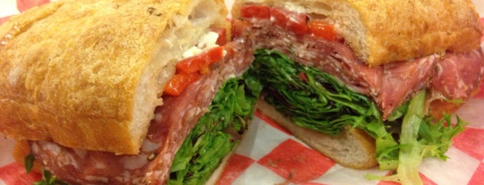 City Fresh at Chicago French Market is one of Lugares favoritos de Sean.